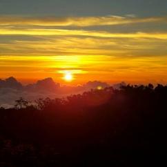 Sunrise over the Blue Mountain Peak