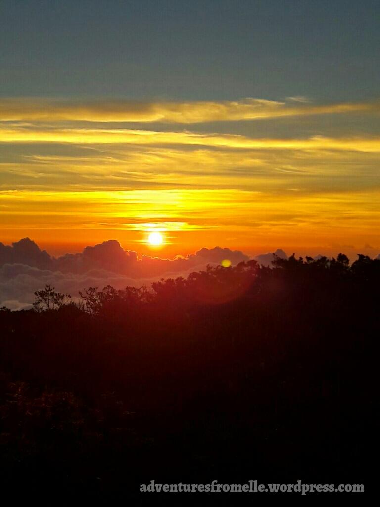 sunrise at blue mount peak