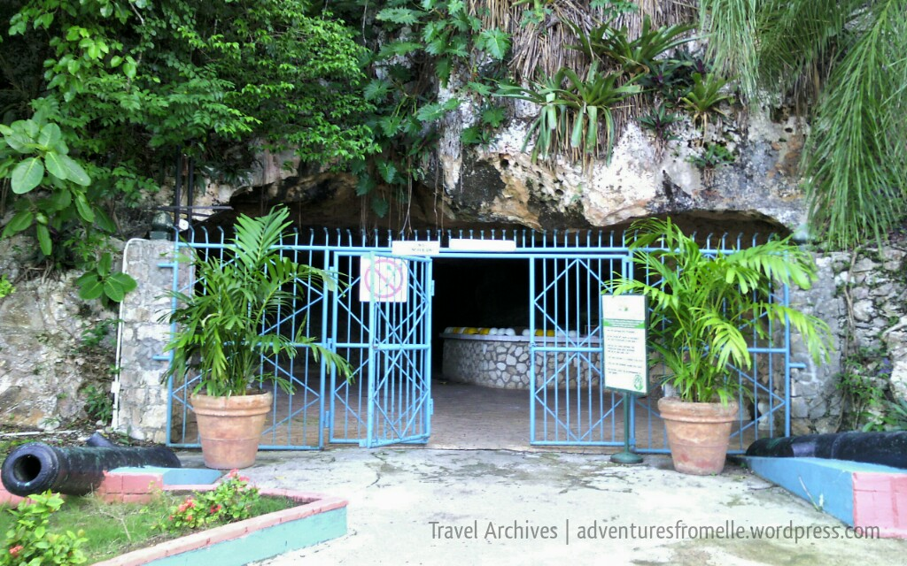 entrance to green grotto caves