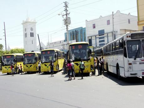 paradej20110309ng
