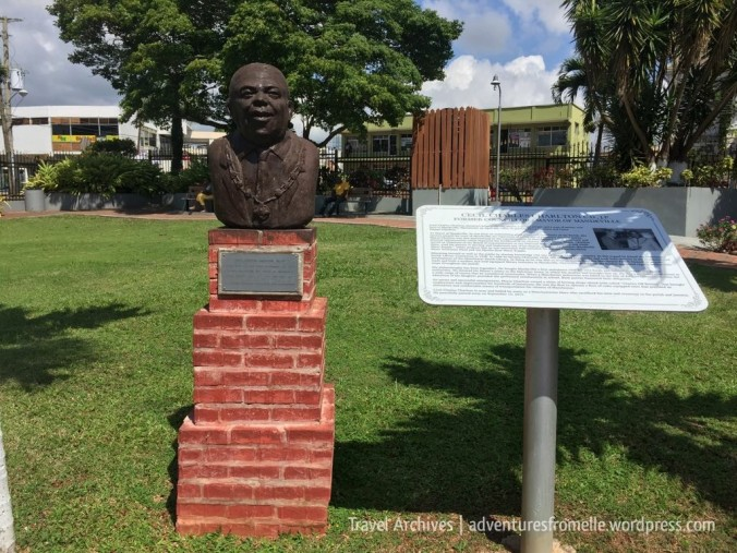 cecil charlton bust mandeville