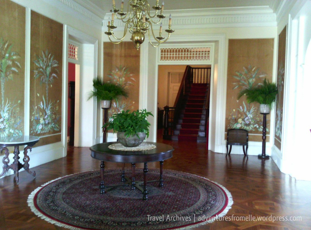 entrance-devon house mansion