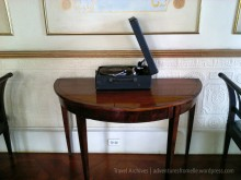 Phonograph for playing 18th and 19th century dance tunes