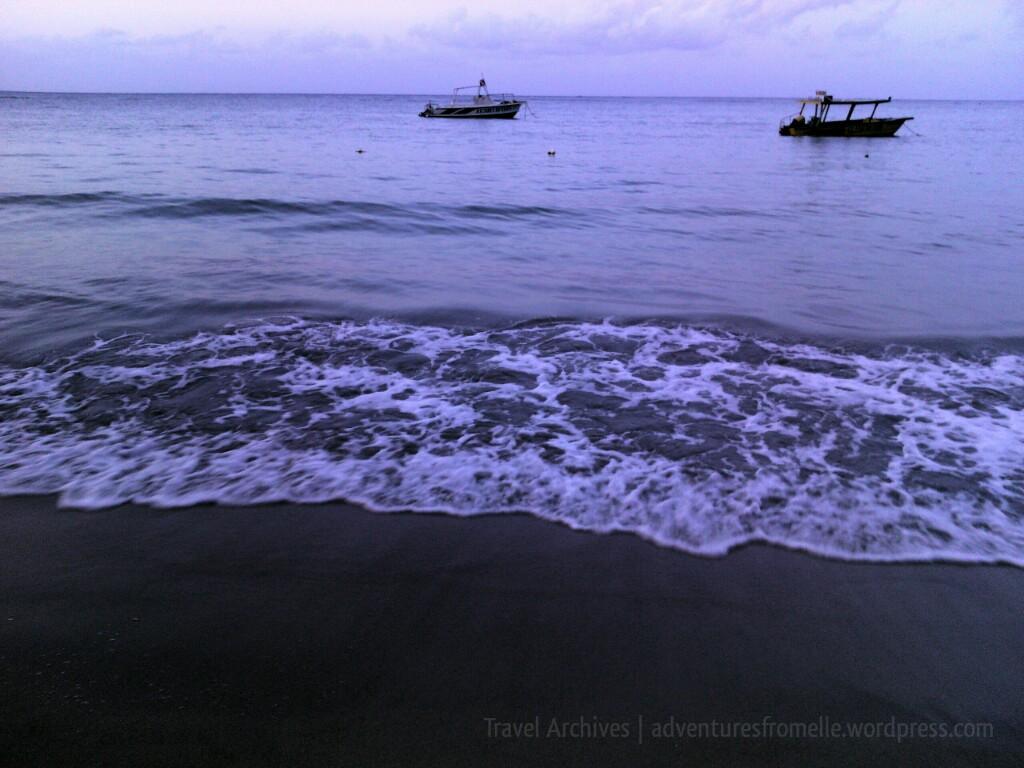 small boats at salem beach