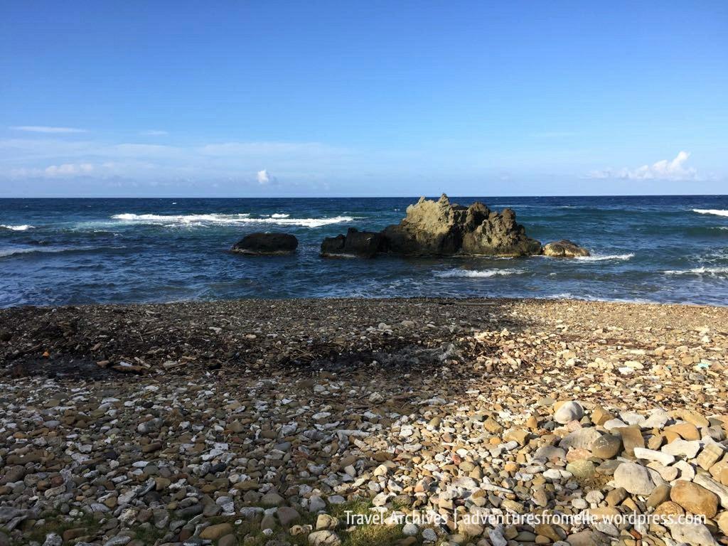 rocky beach en route to kwame falls