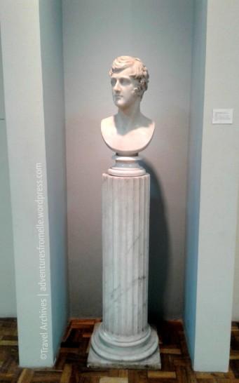 spanish bust