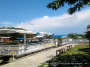 black river safari boats