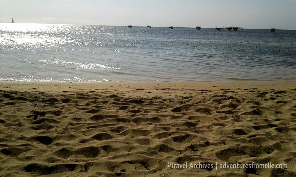 sand-dead end beach