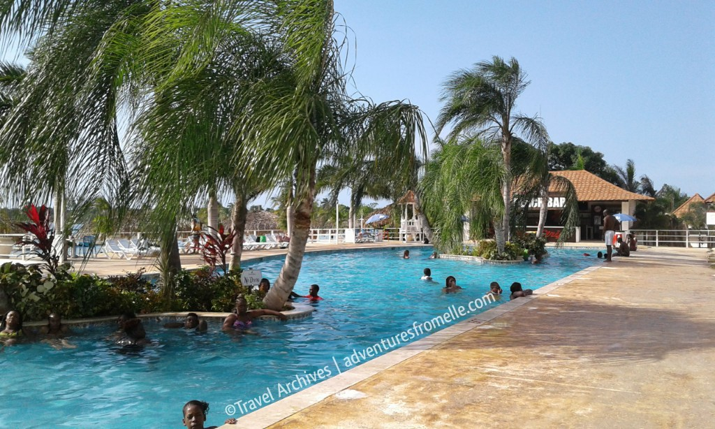 pool-puerto seco beach