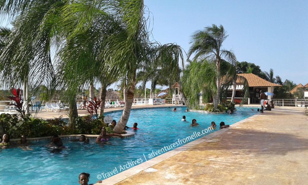 pool-puerto seco beach